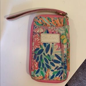 Lilly Pulitzer smartphone wristlet